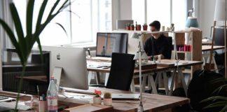 Trzy gadżety, które ułatwią pracę w biurze