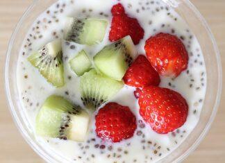 Nasiona chia jako dodatek do jogurtu